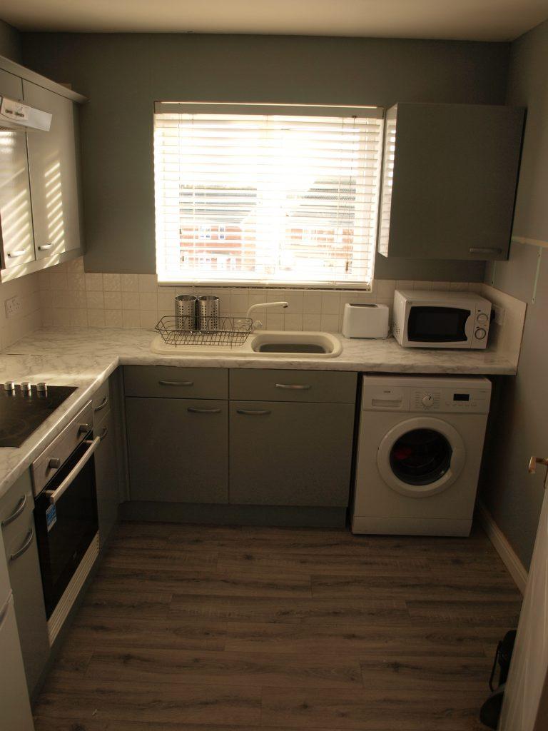 light grey kitchen wrap